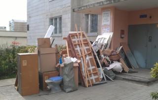 Полезные советы по вывозу старой мебели и хлама на утилизацию